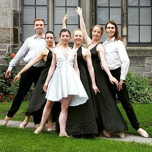 15 shows, 3 casts, 2 photo shoots and sold out shows! Well done team @hackballet  #ballet#company#elicitations#hackballet#jadestudio#royalterrace#greenside#edinburghfringe#shows#performance#photography#Repost @hulyalevent1 @bleuphoenix88 @lance_collins25 @briar.adams @mari.edmond @katy_mcmillan @hackballet @greensidevenues